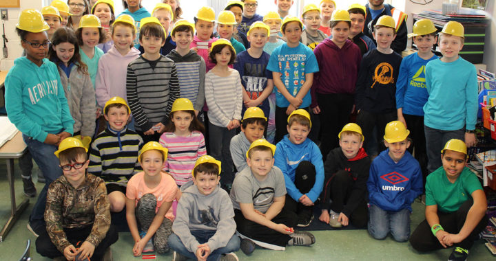Gr. 4 students with Finelli Construction Superintendent Maurizio Cassano